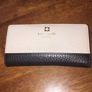 KATE SPADE WALLET!! 100% authentic